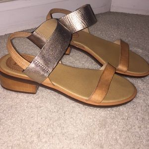 Latigo block sandal